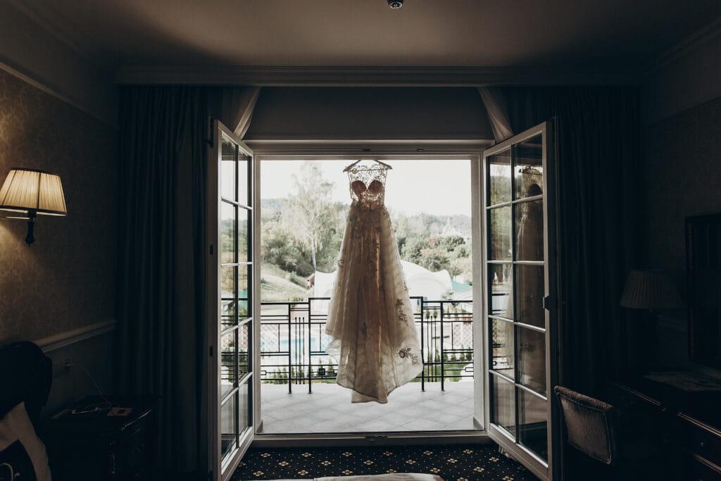 domy weselne suknia